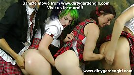 Miehet suudella, kaunis erotiikkavideot harmaa ja kaihtimet hänen asennossa, ratsastaja, hevonen sängyn yläpuolella