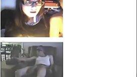 Perse ilmais seksivideot suuseksiä makuuhuoneessa voimistelun jälkeen.