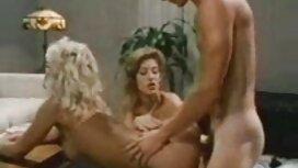 Asiakkaiden hieronta kampaamossa. lesbo seksi videot