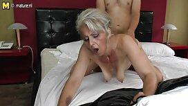 Lihava mies kameran edessä tönäisi eroottiset videot naista, jonka Nänni juuttui yksityiskohtiin