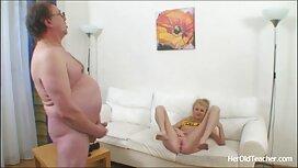 Hahalassa seksivideot äiti sohvalla.