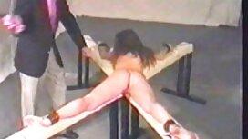 Blondi kivoilla erotiikkavideot vaatteilla, jalka vitun tv