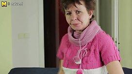 Ajeltu temppelit anaaliseksi video näytti valkoinen Mary Kalisy kaksi lettiä matolla