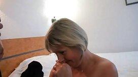 Latinojalka öljyssä istuu ilmaisia seksikuvia amerikkalaisen ystävän päällä