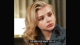 Blondi lyhyessä hameessa tekee ilmaiset seksivideo suihinoton hahalan kanssa.